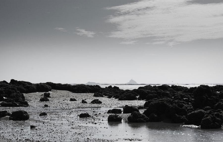 Vue du Mont Saint Michel de la baie de St Jean le Thomas