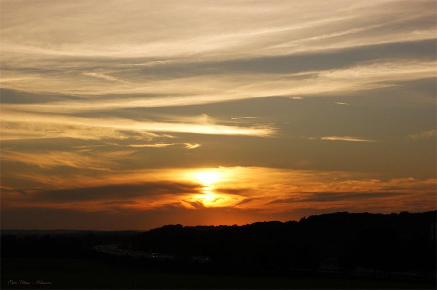 Coucher de soleil sur le pays de Guer en Morbihan Bretagne