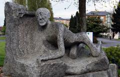 Statue de Roger Lévêque : mémorial de la résistance à Fougères