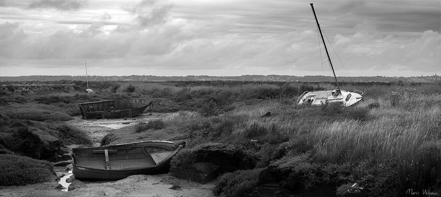 photo de bateaux dans les marais salants
