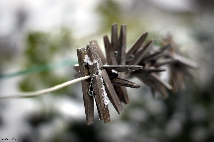 14 pinces à linge en hiver