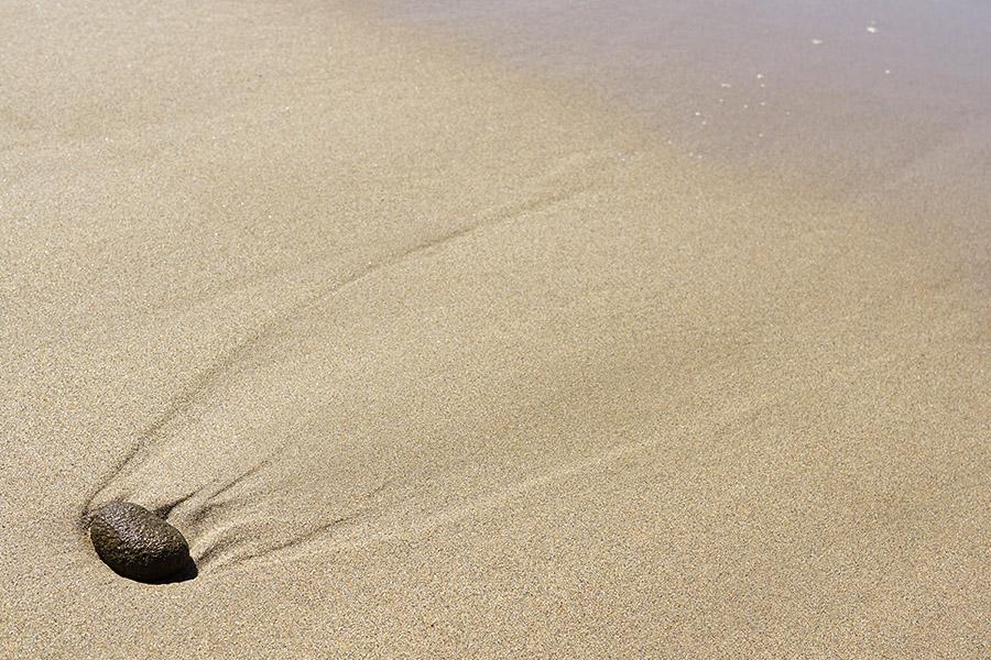 Galet sur le sable à marée basse