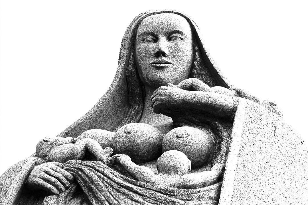 Portrait de Gwenn, dans la Vallée des Saints : sculpture de Patrice Leguen