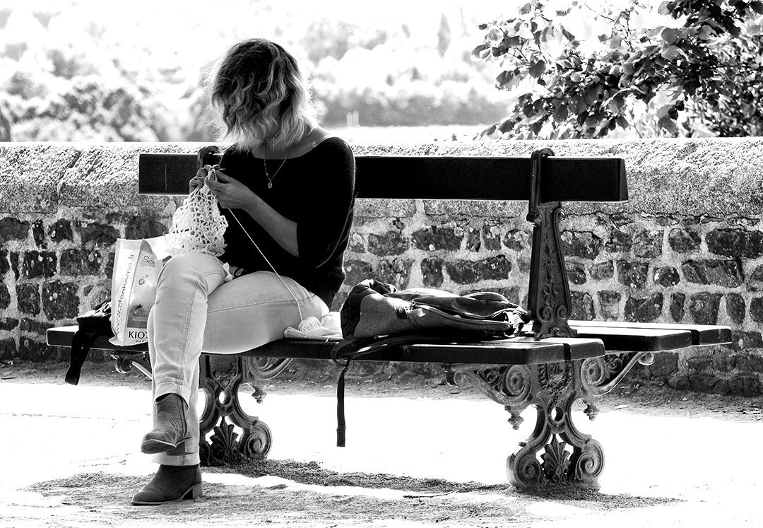 Pause au crochet en jardin public